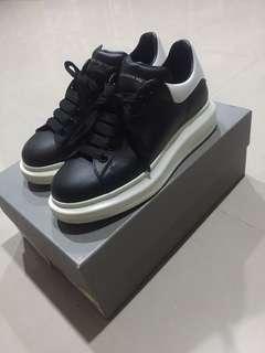 🚚 MCQ Alexander McQueen 經典 黑鞋 41號 us9-us9.5可穿 九成