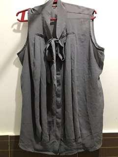Arrow sleeveless gray repriced