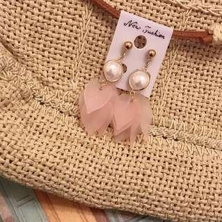 全新正韓 粉色微透花瓣耳環