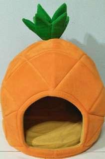 Pineapple Pet Bed