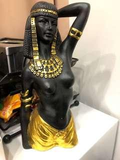 🚚 Half body Cleopatra