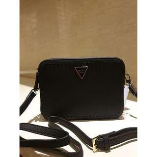 Guess Women's Crossbody Bag VY695912 - Black