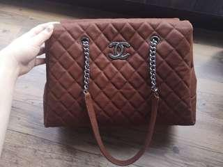 🚚 100% Authentic Chanel Timeless Tote