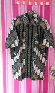 Kemeja Batik Pria Hitam Motif