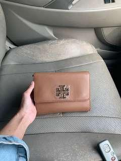 Brand new tory burch britten chain wallet