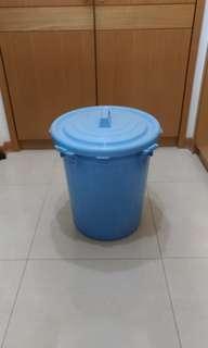 限台北市東區面交,不議價,55L超大儲水桶一個