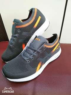 Sepatu pria sepatu sneaker sepatu olahraga