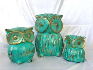 🚚 Green Wooden Owl Family of 3 for Rent