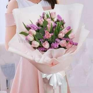 Pink Tulips Mix With Light Purple Statice (勿忘我) Hand Bouquet