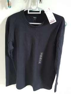 Uniqlo long sleeve black t shirt