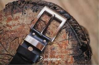 Sabuk ikat pinggang kulit