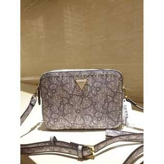 Guess Women's Crossbody Bag With Print VY695912 - Grey