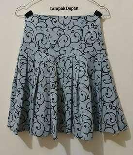 Skirt light grey/ rok abu muda