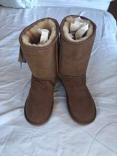 Ugg boots 100% sheepskin leather
