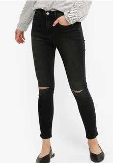 RIPPED JEANS/JEGGINGS