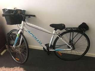 Woman's bike with a Extras