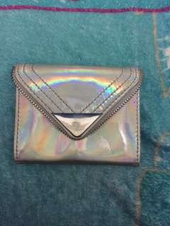 Dompet hologram payless
