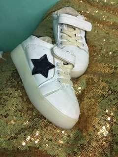sepatu led yg sebelah gak nyala