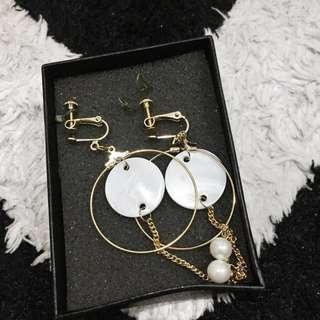 Curvakum Earring / anting