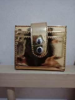 Dompet gold