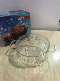 Pyrex casserole with lid