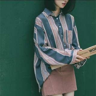 🚚 線條開衩襯衫 #半價衣服市集