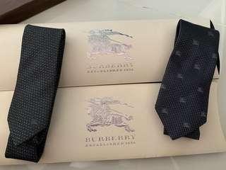 Burberry neck tie