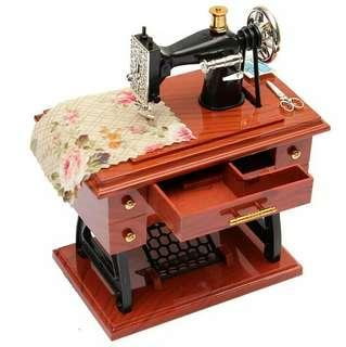 [FREE POSTAGE] Vintage Sewing Machine Music Box #50TXT