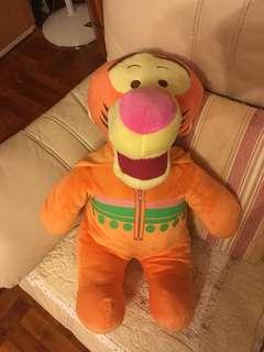 跳跳虎 公仔 / Winnie the pool / tiger