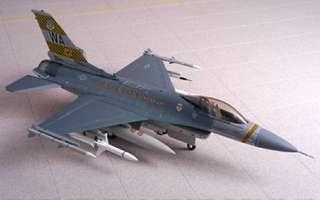 Dragon Warbirds 1/72 F-16C Fighting Falcon, USAF 57th FW Weapons School, Nellis AFB, Nevada