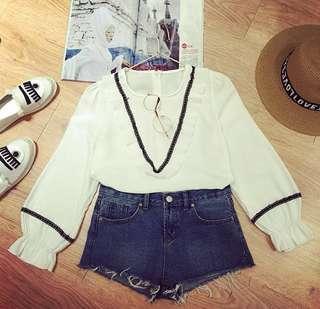Black & white ruffled v shirt / blouse
