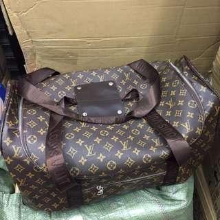 46513d9532b2 Louis Vuitton LV Travelling bag