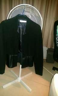 Blazer in Black with leatherett