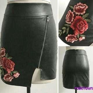 🚚 FLORAL LEATHER SKIRT
