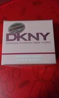 DKNY 香水