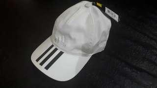Topi Adidas100%authentic.