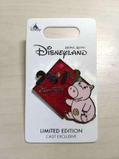 Disney pin LE 豬年 迪士尼襟章 徽章