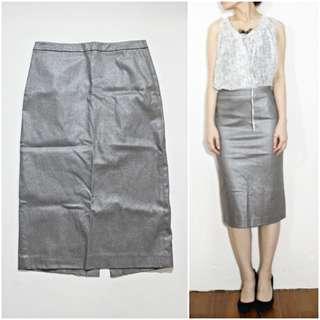 香港製 giordano ladies 金屬棕塗層及膝鉛筆裙