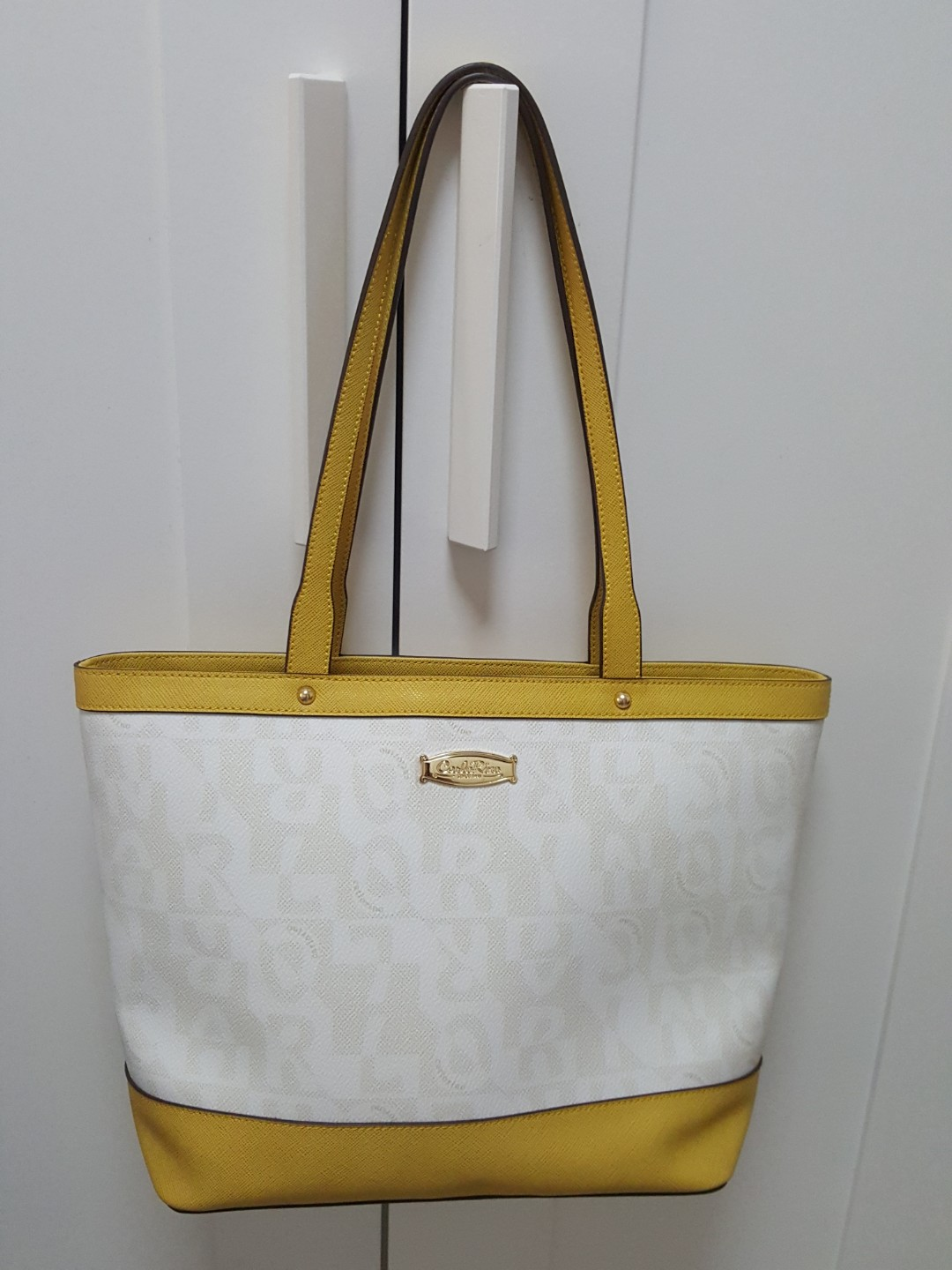 f8e2ac5409cd Who Buys Designer Purses Near Me   Stanford Center for Opportunity ...
