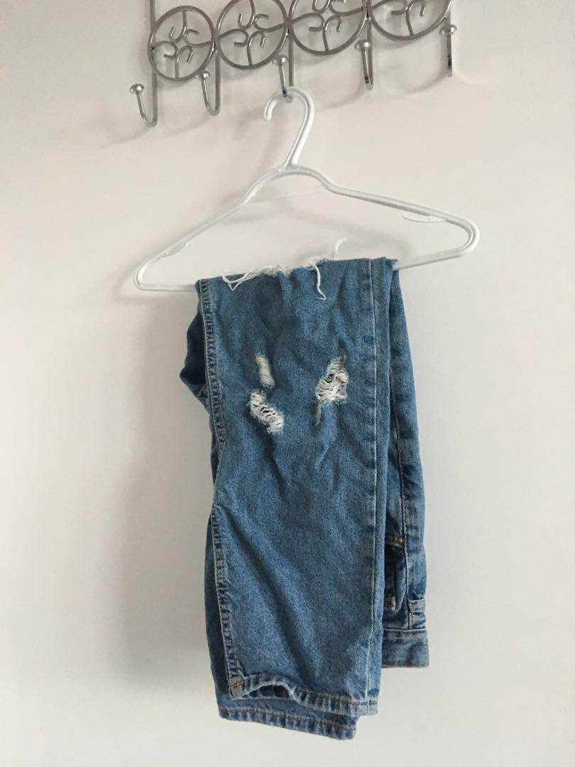 F21 mom jeans size US 30