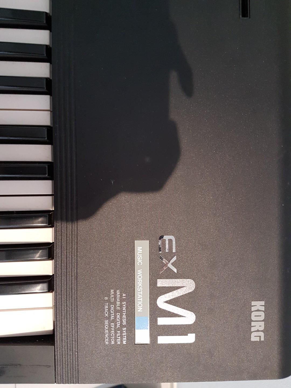 Korg M1 EX Synthesizer keyboard, Music & Media, Music
