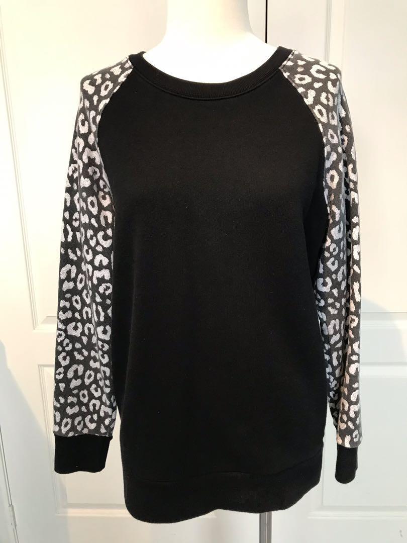 *NEW* Aritzia - TNA - Crew neck sweater - xs