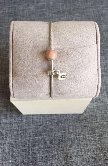 Pandora bracelet + 1 charm