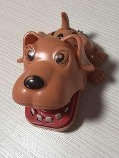 🚚 牙齒狗
