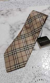 🚚 BURBERRY經典格紋100%絲質領帶