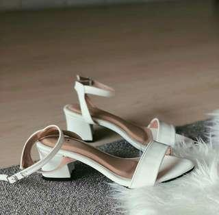 Lunar shoes by Luino