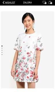 🚚 Zalora Flora Shift Dress