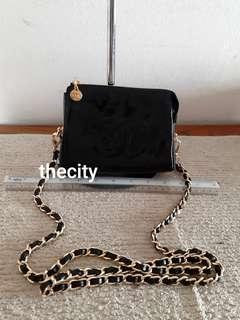 AUTHENTIC CHANEL VANITY POUCH / CLUTCH - CC LOGO DESIGN- IN SHINY BLACK PATENT LEATHER - CLEAN INTERIOR, HOLOGRAM STICKER INTACT- COMES WITH EXTRA HOOKS & LONG CHAIN STRAP FOR CROSSBODY SLING