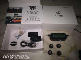 New set 全新 Tpms wireless solar tire pressure Monitoring system 无线太阳能胎压 监测 系统 Last 2 set