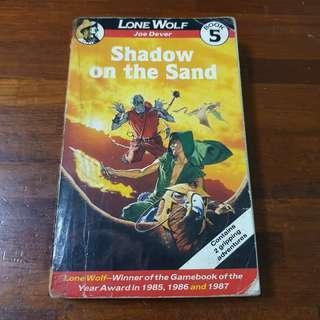 🚚 Lone Wolf Book 5 Shadow On The Sand - Joe Dever
